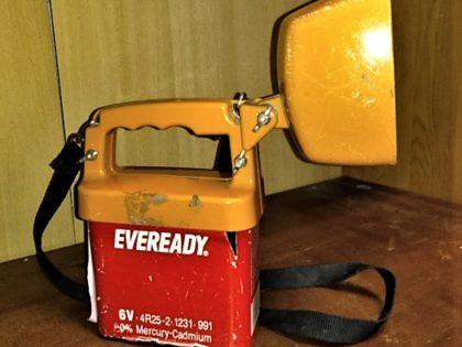 Lampe torche ancienne, fonctionne