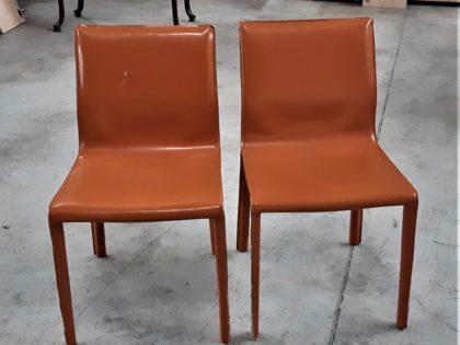 Lot de 2 chaises en cuir